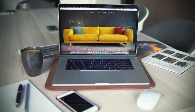 sklep internetowy na macbooku